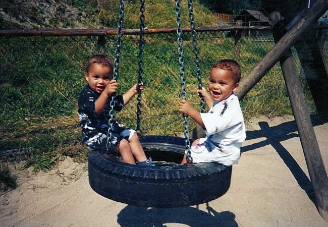 Marjori's tweeling, Kenny en Yordi Teijsse